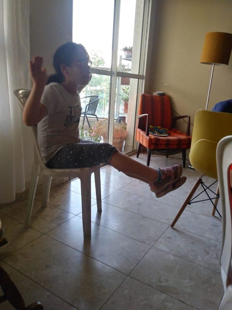 התעמלות עם כסא