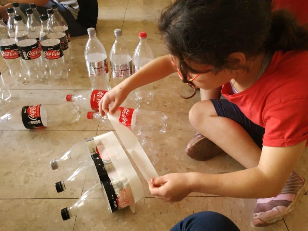 עיטוף הבקבוקים